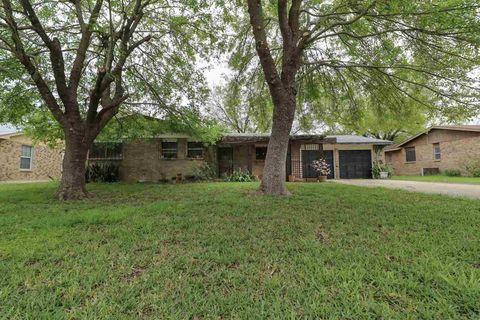 Photo of 705 Timber Ln, Laredo, TX 78045