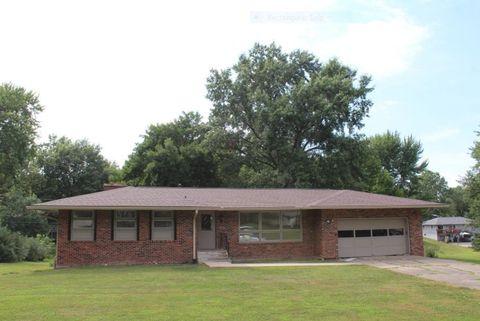 146 Ridgecrest Dr, Brookfield, MO 64628