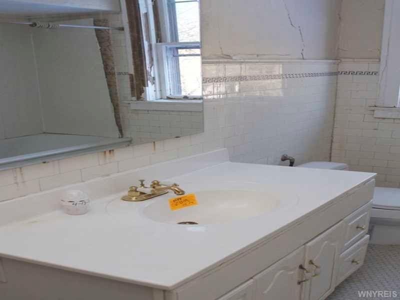 Bathroom Remodeling Niagara Falls Ny 560 college ave, niagara falls, ny 14305 - realtor®