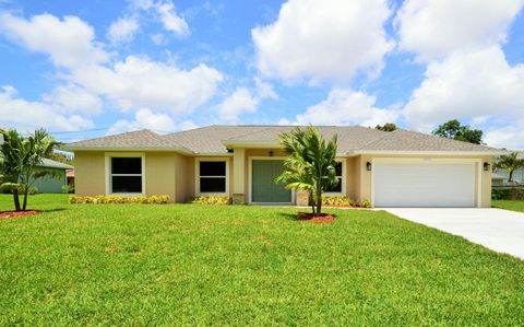 9075 Artist Pl, Lake Worth, FL 33467