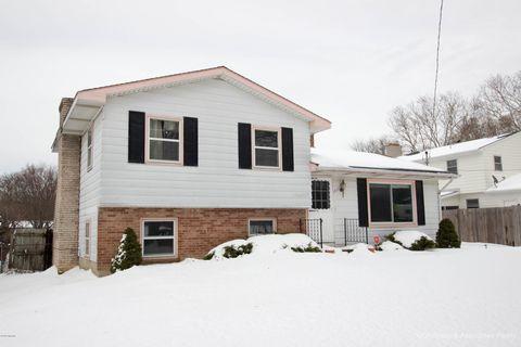 Photo of 1237 Palmer Ct Ne, Grand Rapids, MI 49505