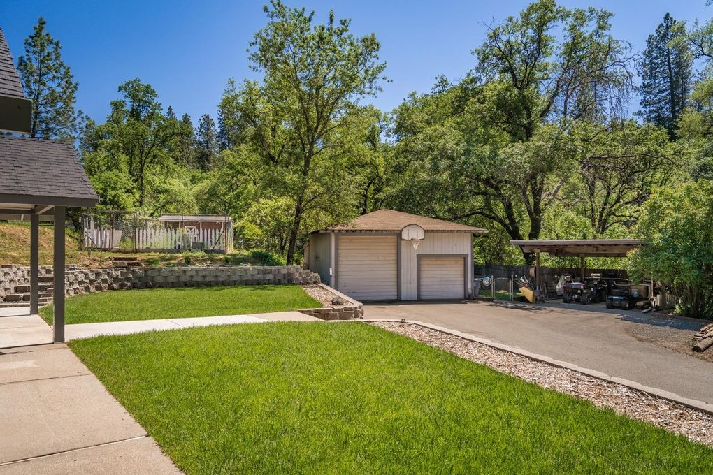 17000 Loganberry Ct, Meadow Vista, CA 95722