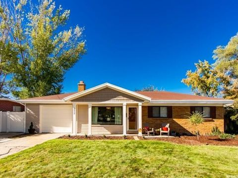 5512 S Edgewood Dr E, Holladay, UT 84117