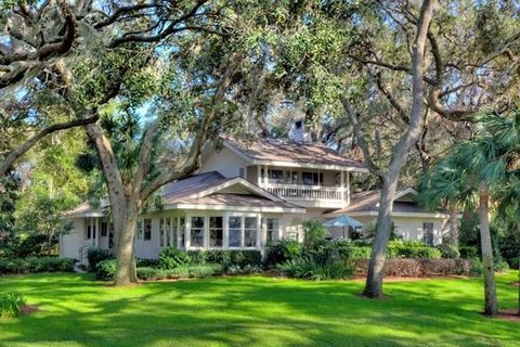 19 Kings Ln, Saint Simons Island, GA 31522