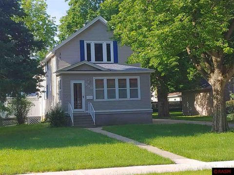 Photo of 908 Elm Ave E, Waseca, MN 56093