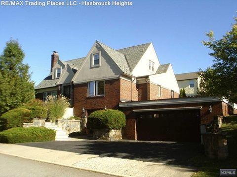104 Raymond St, Hasbrouck Heights, NJ 07604
