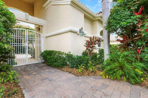 1140 Grand Cay Dr, Palm Beach Gardens, FL 33418. Illustrated Properties /Fairway