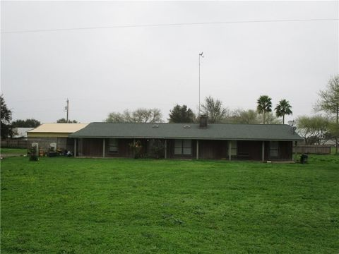 Photo of 112 County Road 435, Three Rivers, TX 78071