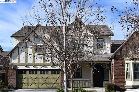 529 S Tradition St, Mountain House, CA 95391