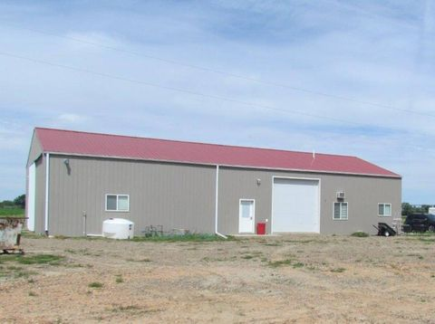13127 Highway 200, Fairview, MT 59221