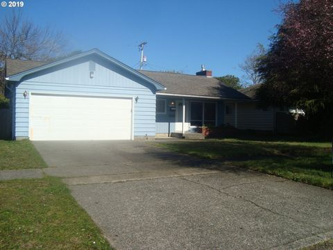 Photo of 1126 Michigan Ave, Coos Bay, OR 97420