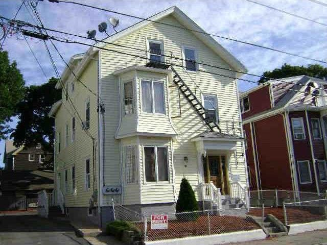 48 Johnson St Pawtucket, RI 02860