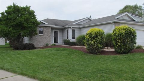 6105 Running Brook Ln, Fort Wayne, IN 46835