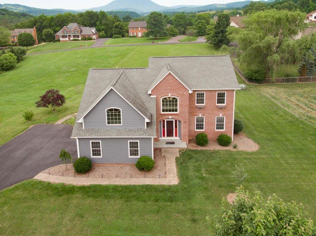 30 Garden Pl, Lexington, VA 24450