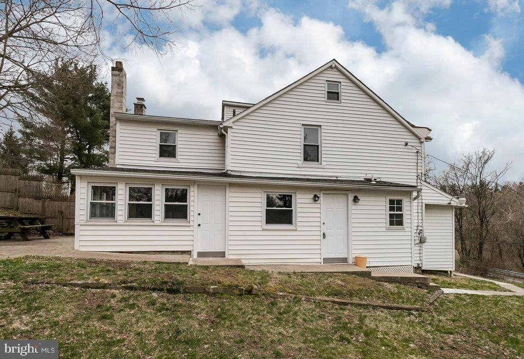 714 Manatawny St, Pottstown, PA 19464