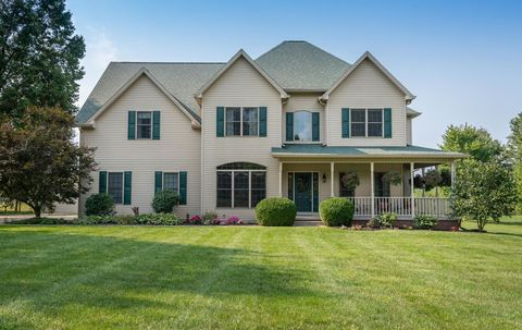 Incredible 9880 S Tailwater Dr Bloomington In 47401 Home Remodeling Inspirations Gresiscottssportslandcom