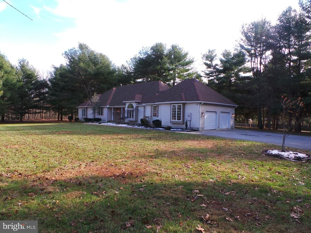 212 Greenwood Ln, Winslow Township, NJ 08037