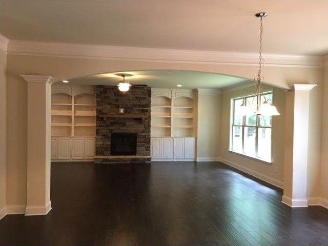 830 Cranberry Trl, Roswell, GA 30076