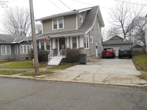Photo of 38 3rd St, Shelby, OH 44875
