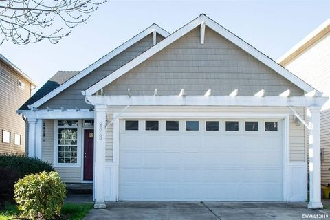 Photo of 828 Morning Glory Dr, Independence, OR 97351