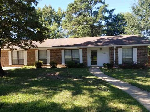 Photo of 1507 Centenary Dr, Longview, TX 75601