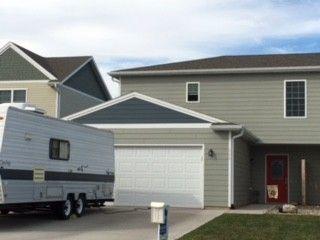 606 Sawgrass St, Yankton, SD 57078