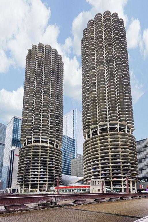300 N State St Apt 3605, Chicago, IL 60654