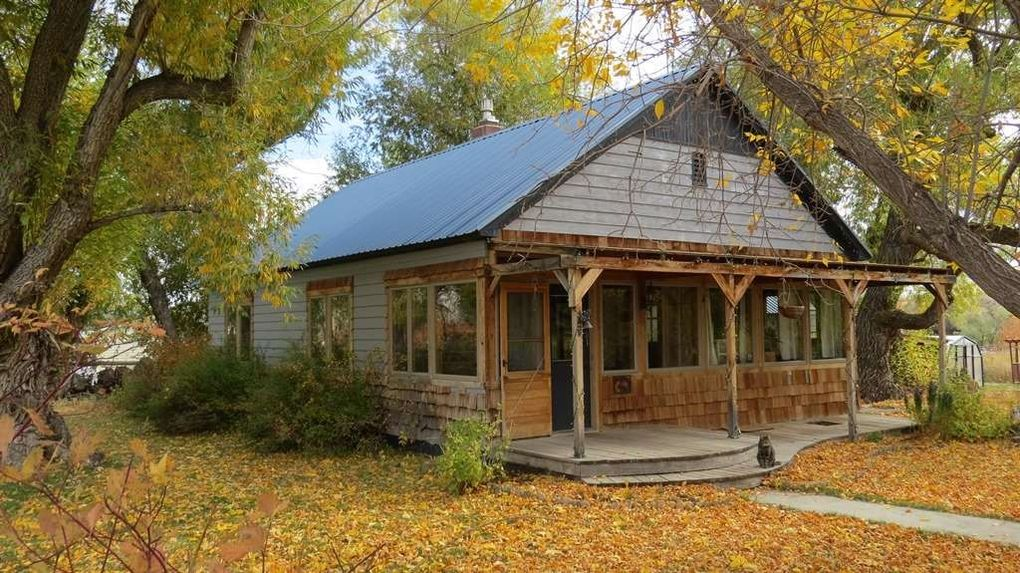 74 Spring Valley Dr_Lander_WY_82520_M72688 14075 on Lander Wyoming Real Estate For Sale