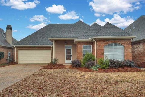 320 Creston Ct, Ridgeland, MS 39157