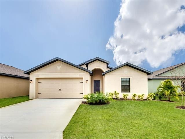730 Center Lake St, Lehigh Acres, FL 33974