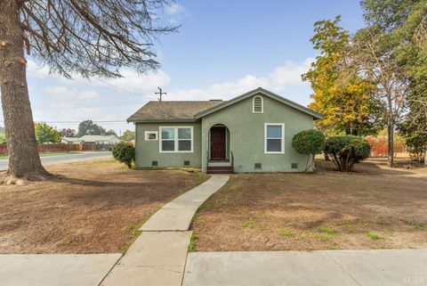 816 Letts Ave, Corcoran, CA 93212