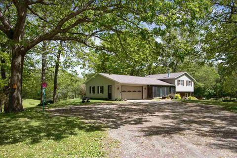 Photo of 2387 Copi Rd Nw, Tiffin, IA 52340