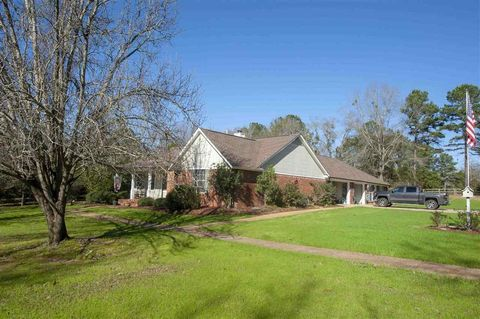 204 Crescent H Dr, Terry, MS 39170