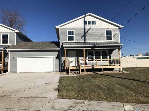 1104 E 3rd St, Sioux Falls, SD 57103