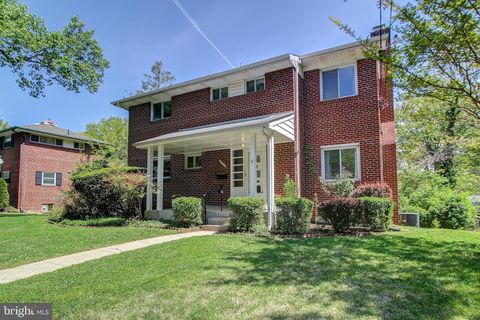Photo of 6709 40th Ave, University Park, MD 20782