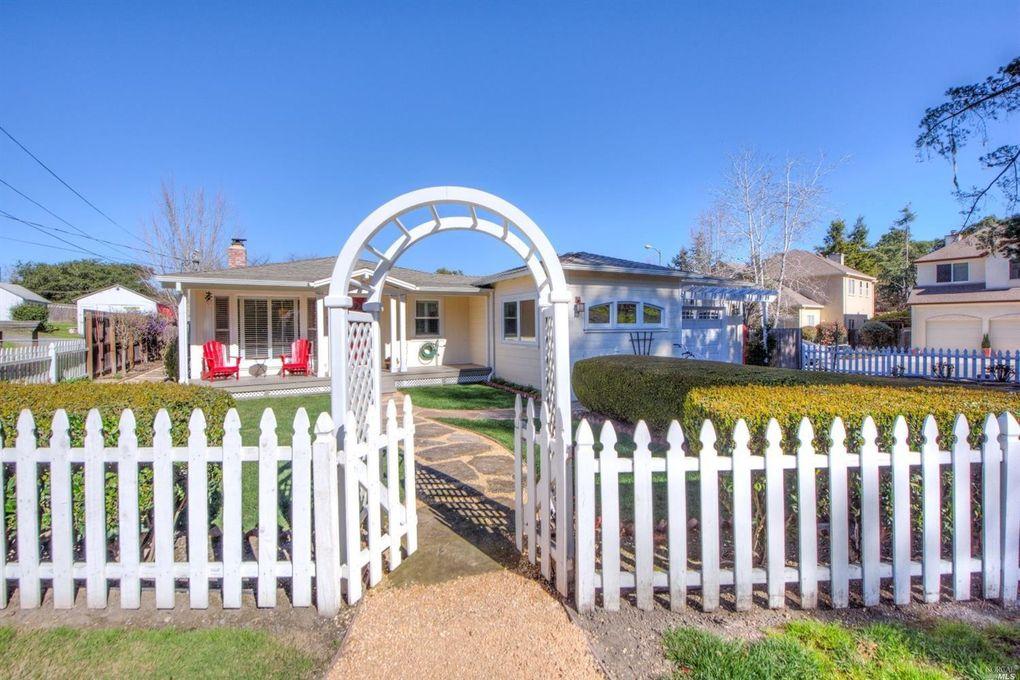 516 Cherry St, Petaluma, CA 94952