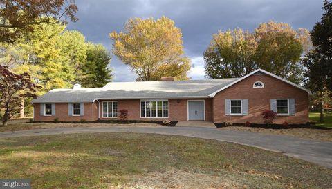 260 Summit Ave N, Woodstock, VA 22664