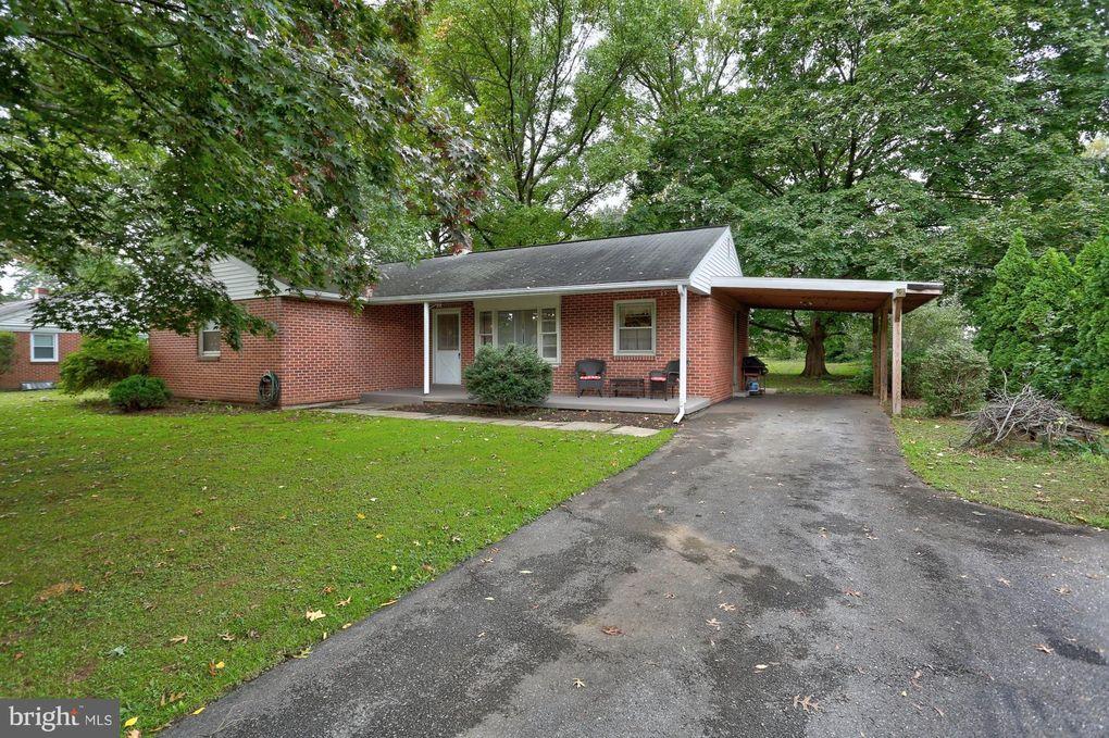 312 Maxson Rd, Lancaster, PA 17601