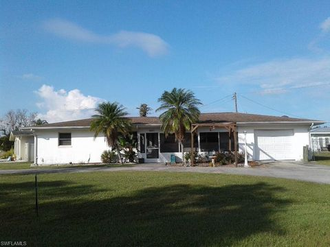 5657 Saint Marie Ln, Bokeelia, FL 33922