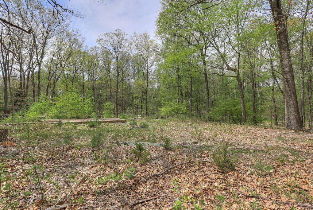 772 L N Wilton Rd, New Canaan, CT 06840
