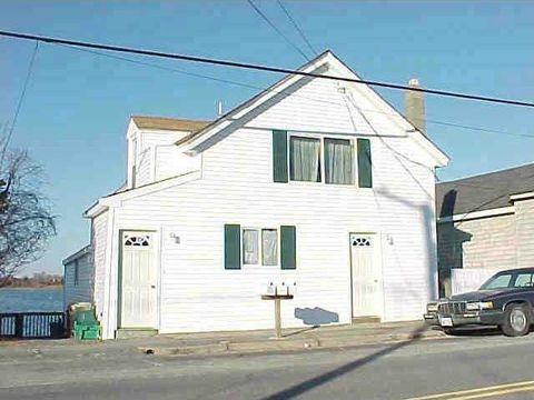 636 Park Ave, Portsmouth, RI 02871