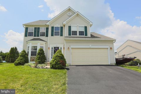 Photo of 716 Rocky Fountain Dr, Myersville, MD 21773