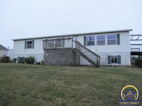 10102 Nw 54th St, Silver Lake, KS 66539