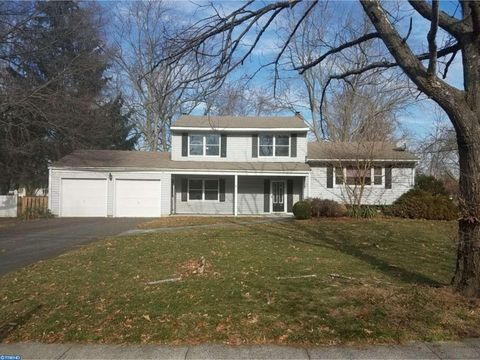 21 Sheffield Rd, East Windsor, NJ 08520
