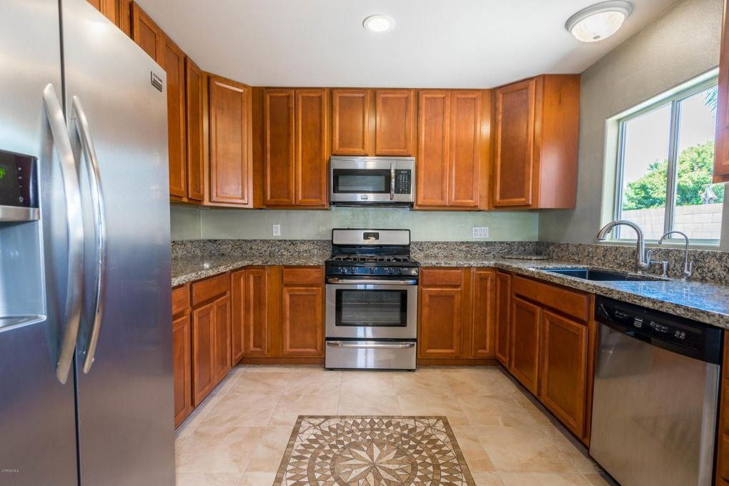 3978 Goodwin Ave, Simi Valley, CA 93063