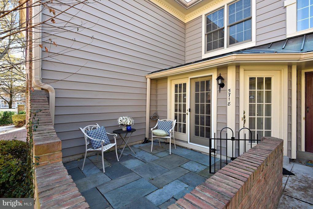 5718 Mayfair Manor Dr # 101, Rockville, MD 20852