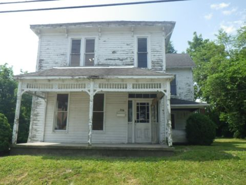 Photo of 230 E Short St, Winchester, IN 47394
