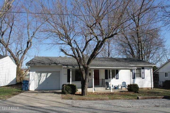 1208 W Goodall St, Marion, IL 62959