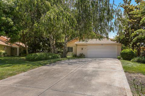 Photo of 8129 Arroyo Vista Dr, Sacramento, CA 95823