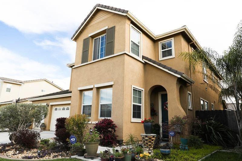 1509 Countrywood Ln, Escalon, CA 95320